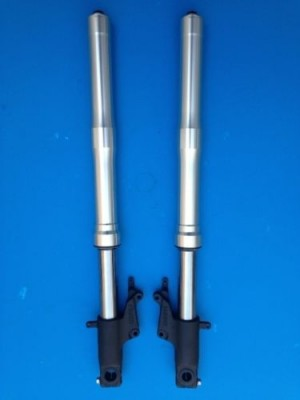 PAIR FRONT FORKS SHOWA FOR HONDA CB 600 F HORNET FROM YER 2007 TO 2011 NEW AND ORIGINAL